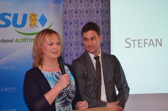 2. Ortsvorsitzende Gisela Kriegl stimmte die Versammelten auf die Nominierung von Stefan Kammergruber zum Bürgermeisterkandidaten ein.